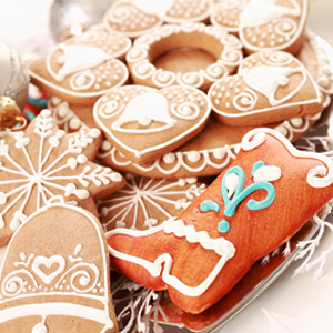 1261161245_top-10-holiday-date-ideas_7