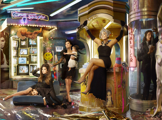 rs_560x415-131201150439-1024.Khloe-Kris-Kourtney-Bruce-Christmas-Card.jl.120113