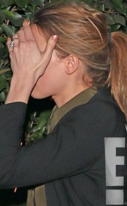 rs_634x1024-140114153448-634-2amber-heard-engagement-ring-johnny-depp.ls.11414_copy